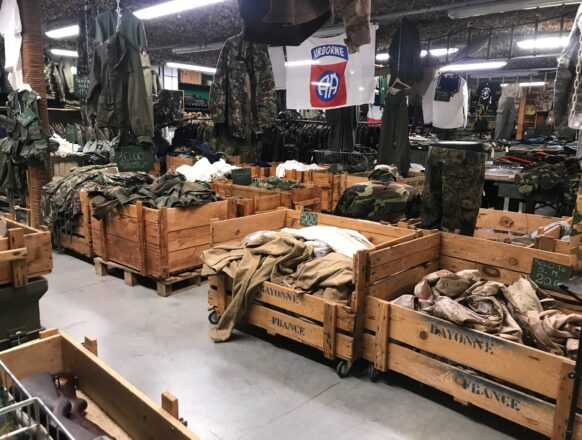 Military World - Interni